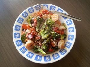 Sauté de crevettes et légumes au sésame: miam!